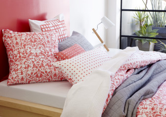 S_2014_1_Sleep_Bedlinen_Savanna_Pillows_Melon_Queen_Web_HR_17_13